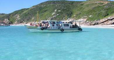 passeio-de-barco-arraial