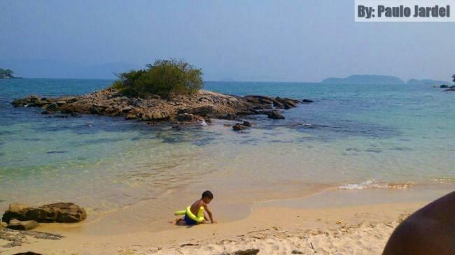 praia deserta angra dos reis RJ
